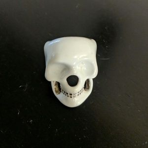 Urban Outfitters skull ring